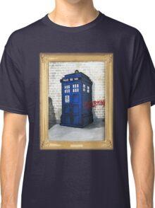 Dalek Gettin Up Classic T-Shirt