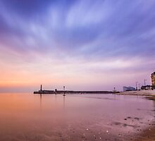 Margate Beach by Ian Hufton