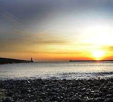 Tynemouth Sunrise by Laura Hetherington