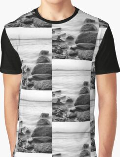 Rocks and waves at Kings Beach, Queensland Graphic T-Shirt