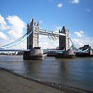 London Bridge by identit3a