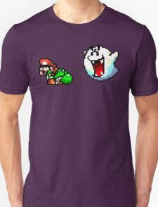 Mario & Yoshi being scared T-Shirt