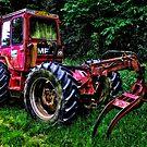 Tractor ! by Simon Duckworth