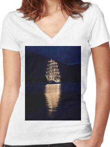 Boat Women's Fitted V-Neck T-Shirt