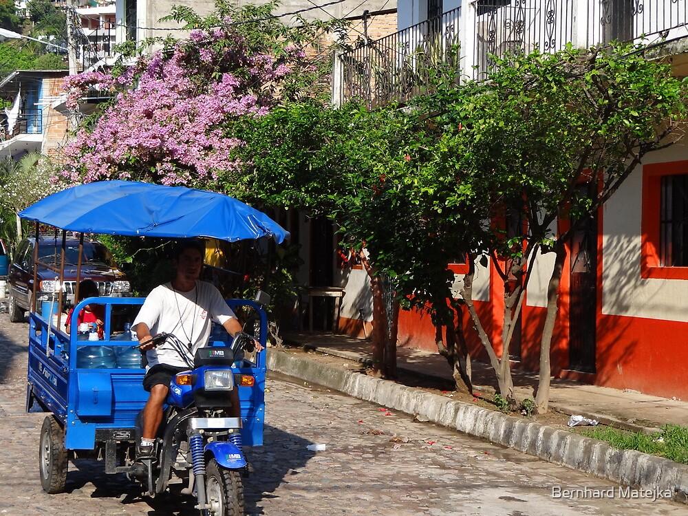 mexican colors/street scene - colores de mexico/escena de la calle by Bernhard Matejka