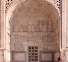 Quiet moment at the Taj Mahal by alhovey
