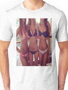 Beach babes Unisex T-Shirt