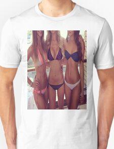 Beach babes T-Shirt