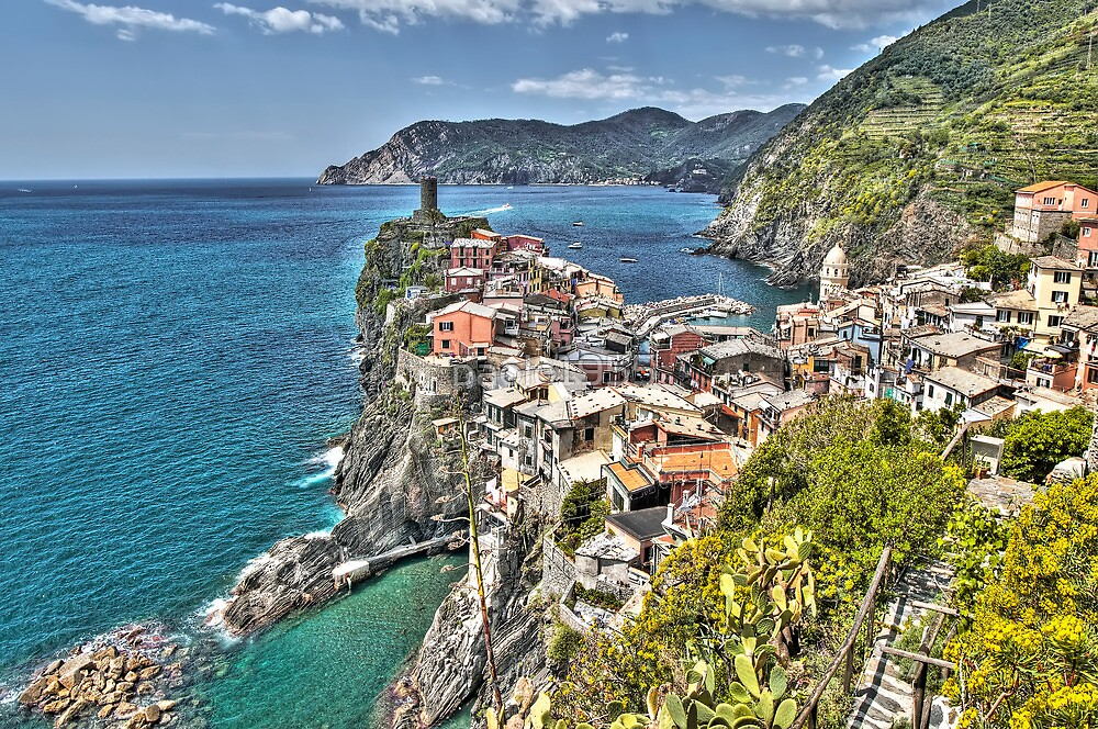 Vernazza Back View by paolo1955