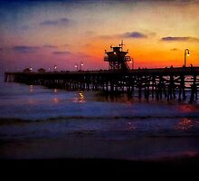 Twilight at the San Clemente Pier  by Lynnette Peizer