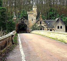Mauldslie Bridge and Gatehouse by Bill Lighterness