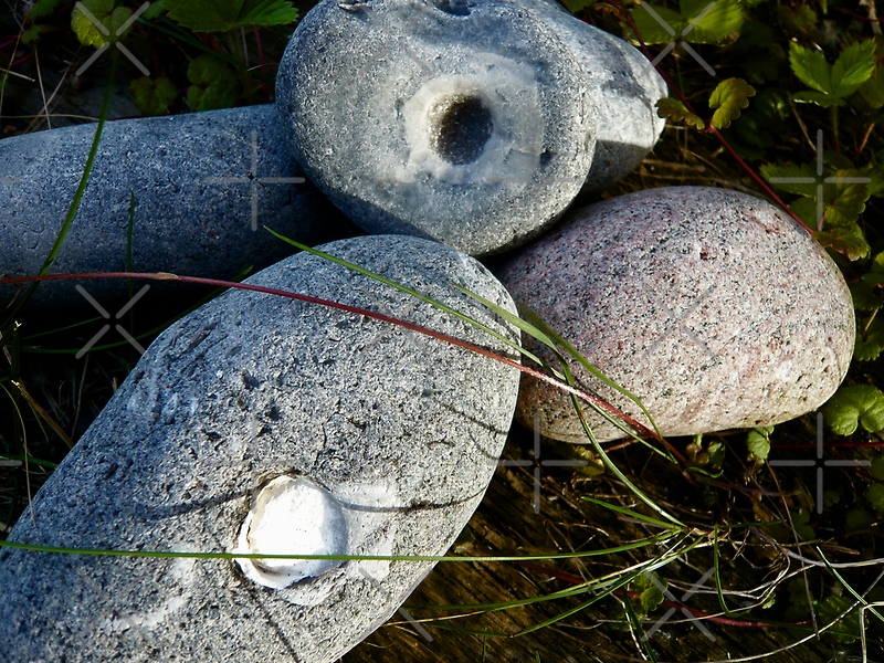 Stones with surprices by HeklaHekla