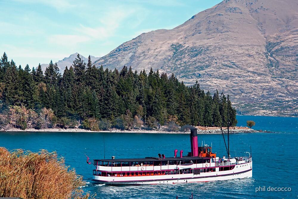 Wakatipu Steamer by phil decocco