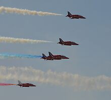 Red Arrows fly past by Andy Jordan