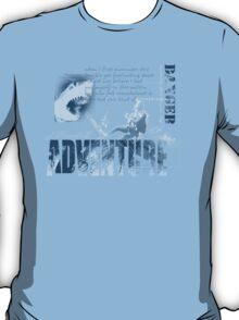 shark dive T-Shirt