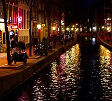 Red light district, Amsterdam by Sam Goodman