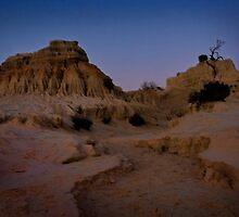 Mungo - Walls of China by Chris Brunton