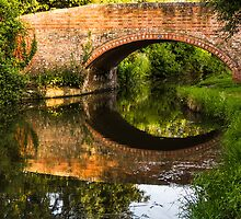 Chesterfield Canal at Hayton by John Dunbar