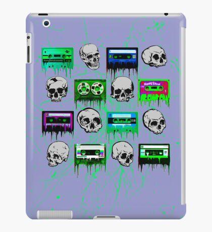Skulls and creepy Tapes iPad Case/Skin