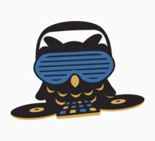 Party DJ Owl by Style-O-Mat