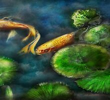 Animal - Fish - The shy fish  by Mike  Savad