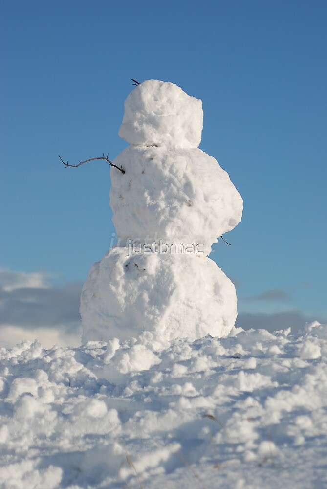 Snowman in the sky by justbmac