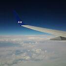 Nånstans över molnen by ellismorleyphto