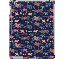 Cute vintage pattern with birds and flowers iPad Case/Skin