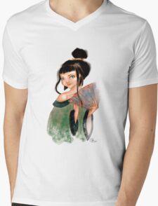 Modest Geisha in Kimono Mens V-Neck T-Shirt