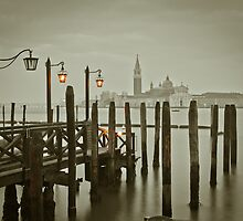 Misty Morning in Venice by Assaf Frank