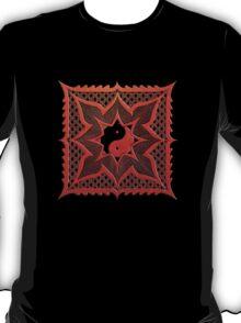 yin yang woodcut mandala (dáorashi) T-Shirt