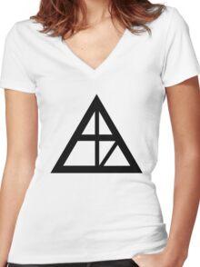 Alaska Sign Women's Fitted V-Neck T-Shirt