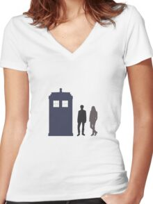 The Doctor and Amy Pond Women's Fitted V-Neck T-Shirt