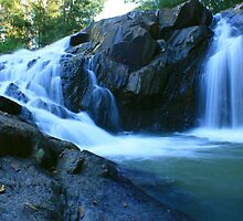 Zara Rd Falls ... by gail woodbury
