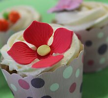 Cupcakes for Three by Deanna Roberts Think in Pictures