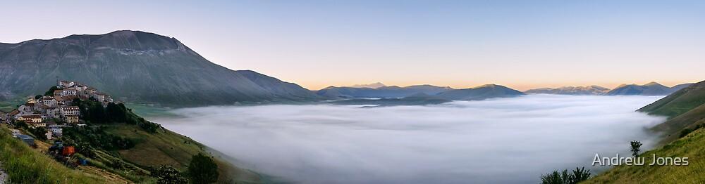 Dawn at Castelluccio di Norcia. Panorama di nebbia sul Piano Grande by Andrew Jones