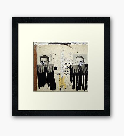 DOS DESCONOCIDOS BAJO LA INFLUENCIA DEL 12 (two unknow persons under the influence of the 12) Framed Print
