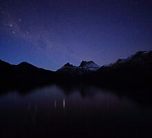 Pre-Dawn Cradle Mountain by tinnieopener