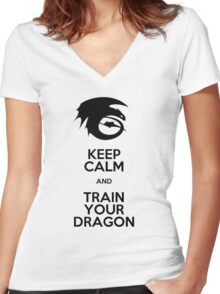 Keep calm and train your dragon Women's Fitted V-Neck T-Shirt
