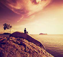 Oceanside Meditation by visualspectrum