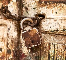Old Lock Close Up by visualspectrum