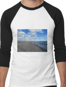 Looking Down The Beach Men's Baseball ¾ T-Shirt