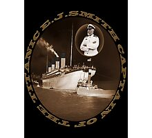 ☝ ☞ EJ SMITH CAPTAIN OF THE TITANIC & TITANIC -TEE SHRIT-Titanic leaving Belfast with two guiding tugs ☝ ☞ Photographic Print