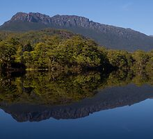 Reflections of Cradle Mountain by Steve Bass