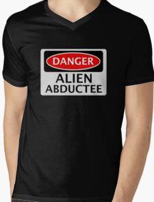 DANGER ALIEN ABDUCTEE FAKE FUNNY SAFETY SIGN SIGNAGE Mens V-Neck T-Shirt