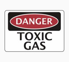 DANGER TOXIC GAS FAKE FUNNY SAFETY SIGN SIGNAGE Kids Tee