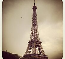 Eiffel Tower by katemmo