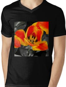 Tulip Macro  Mens V-Neck T-Shirt
