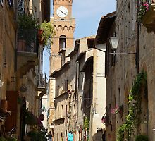 Pienza before the tourist buses by redmgb