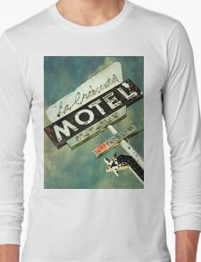 La Crescenta Vintage Motel Sign Long Sleeve T-Shirt